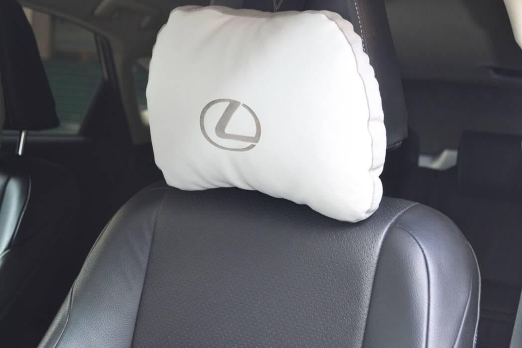 подушка с логотипом автомобильная